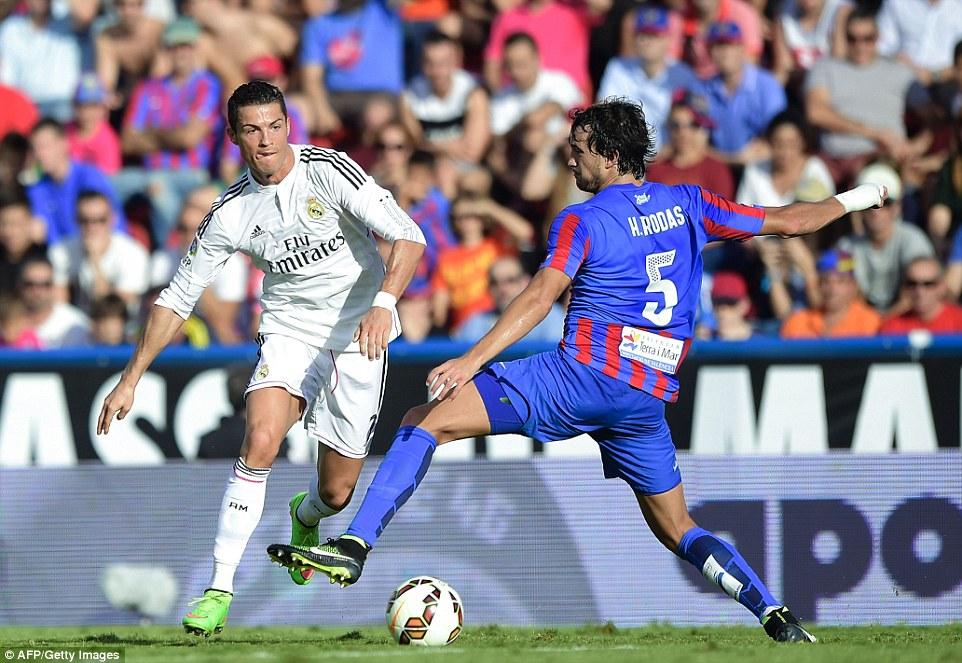 Ronaldo levante vs madrid
